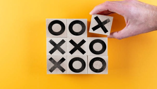 tic-tac-toe is an alternative name for which game